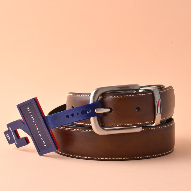 afc59fbf82fe Tommy Hilfiger Men s Leather Reversible Belt Brown Black 40 - Averand
